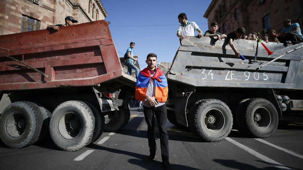 Armenian opposition supporters block the road after protest movement leader Nikol Pashinyan announced a nationwide campaign of civil disobedience in Yerevan, Armenia May 2, 2018.