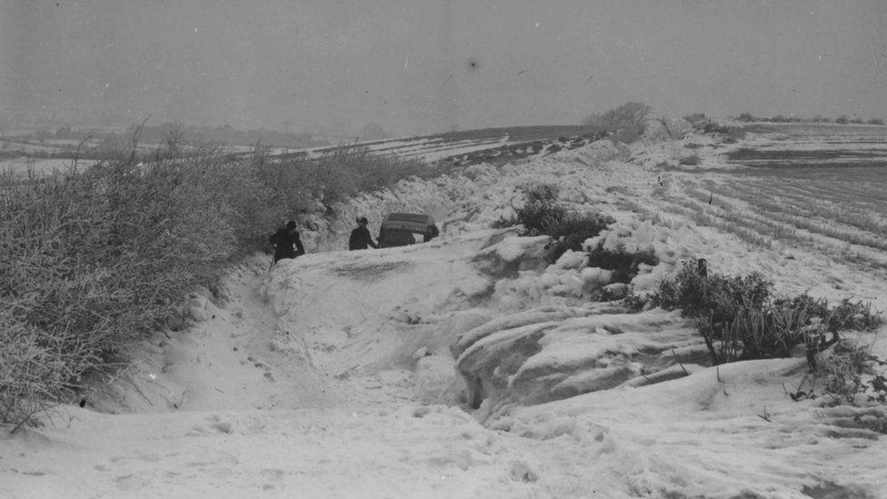 Snowdrifts near Derby