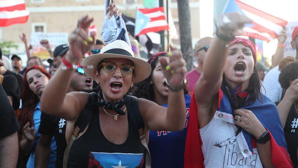 """Crisis en Puerto Rico: 3 claves para entender unas protestas contra Roselló """"sin precedentes"""" en la isla"""