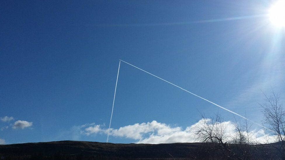 Airline trails