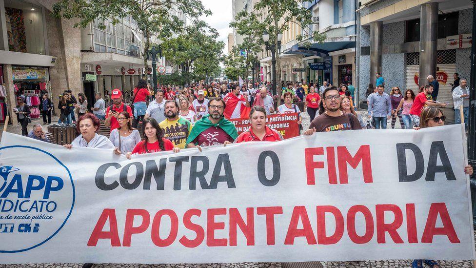 Manifestação contra reforma da Previdência em Curitiba