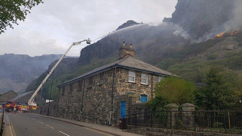 Fire crews tackling the Blaenau Ffestiniog mountain fire