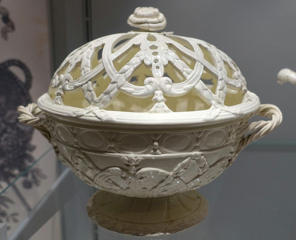 Queen's Ware basket, shape 32 in the first Queen's Ware catalogue, c. 1774, photographed in the Wedgwood Museum
