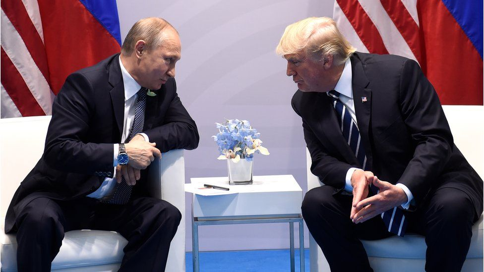 Presidents Putin and Trump meeting each other at the G20 summit in Hamburg