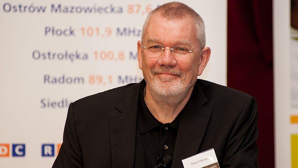 Dr David Hewett