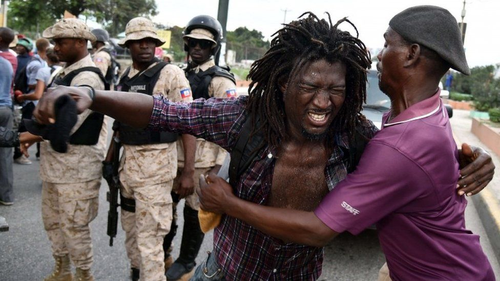 Protester in Haiti, 17 Dec 15