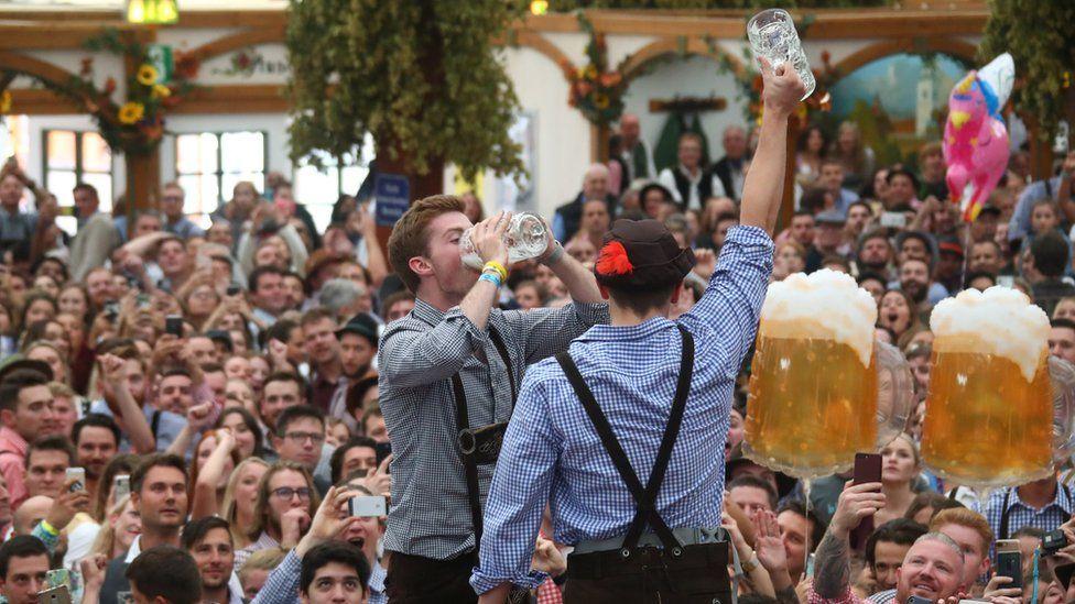 visitors drink beer