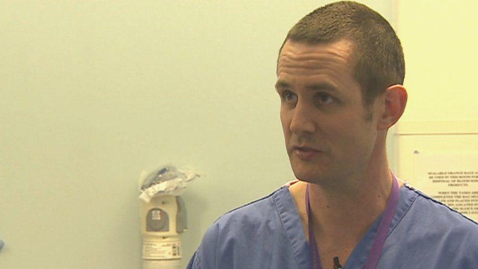 Dr Chris Hingston