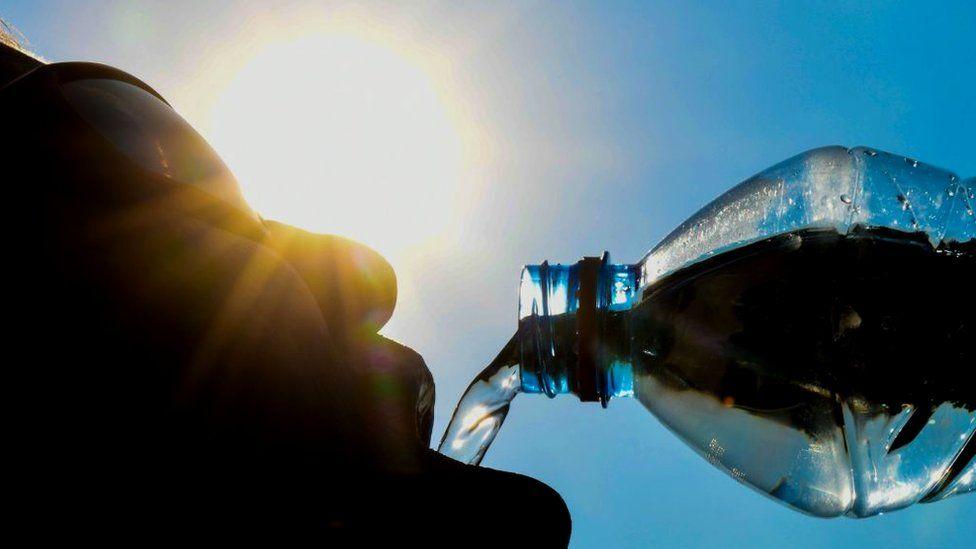 Пять советов страдающим от жары: что помогает, а что нет?