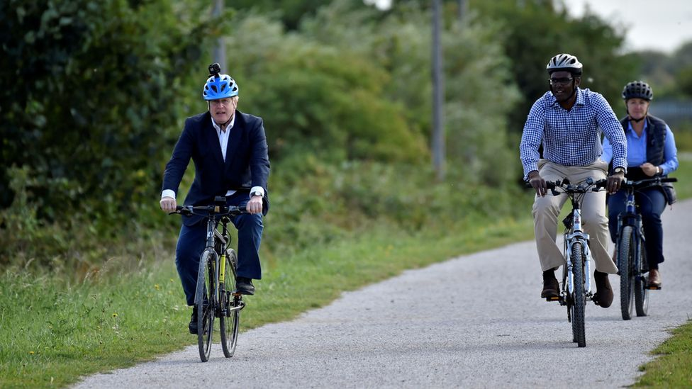 Photo: Governments want more and more people to ride bicycles, which is good for health and the environment.