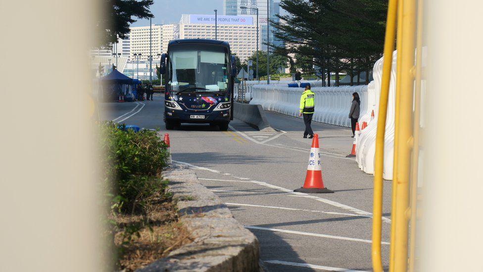 从添华道南侧窥看封锁线内香港政府总部西翼外之状况(3/1/2020)