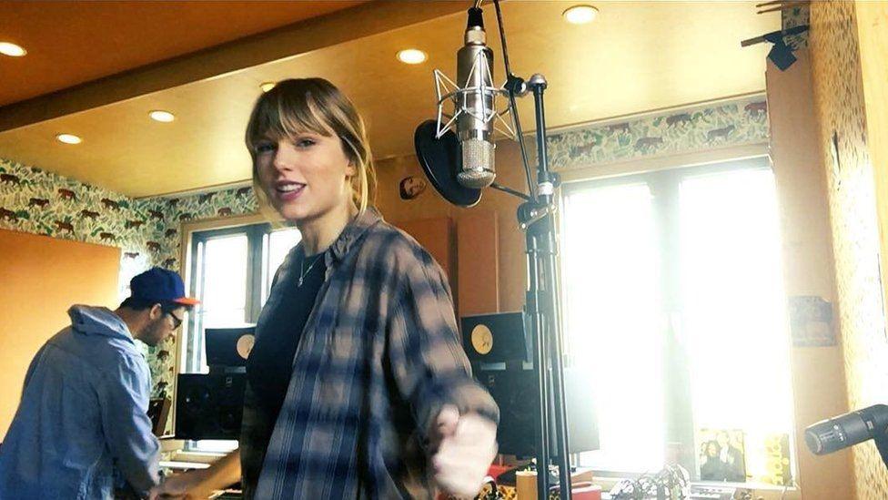 Taylor Swift recording her new album