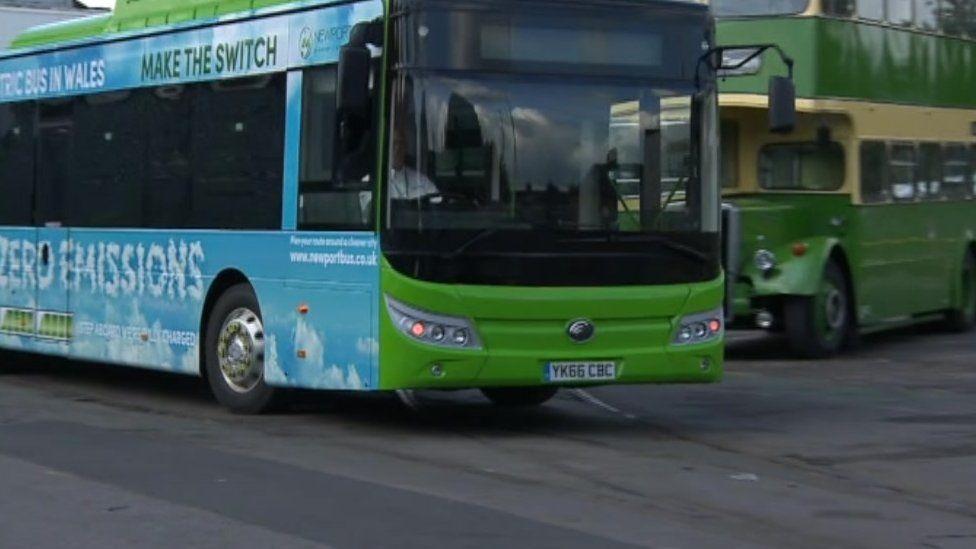 Un o fysiau cwmni Newport Bus
