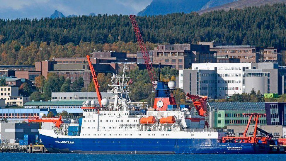Polarstern, el mayor buque de investigación científica de todos los tiempos que quedará atrapado en el hielo del Ártico durante un año