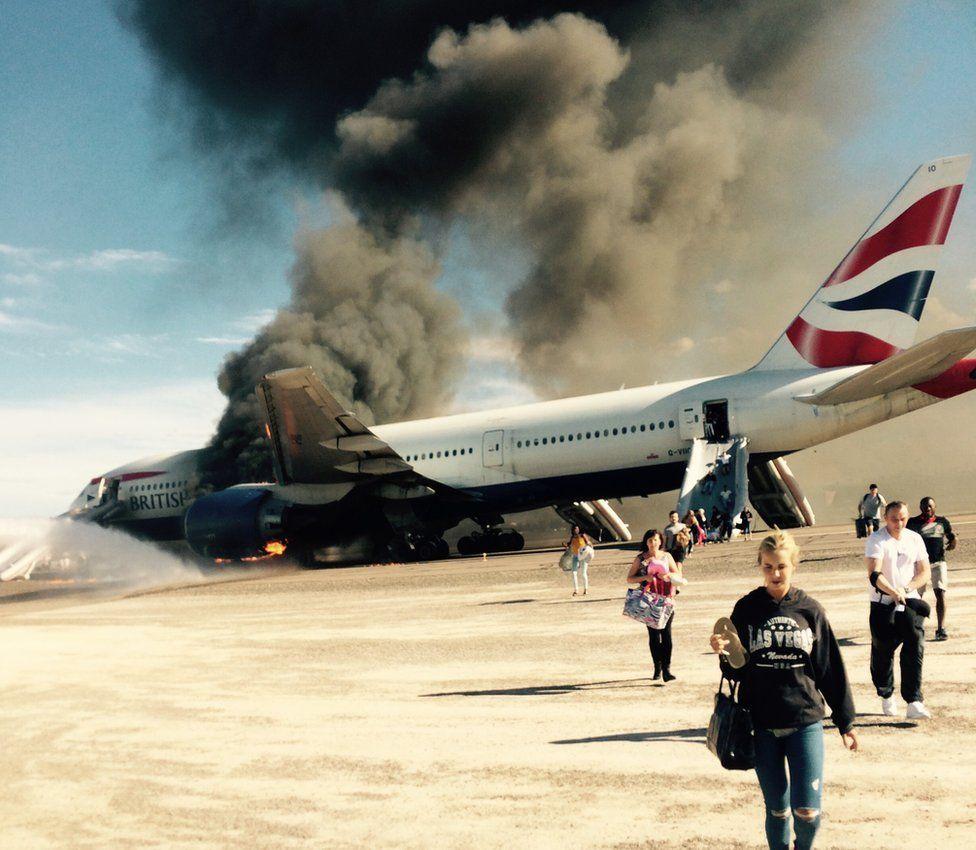 Passengers flee plane 09 September 2015