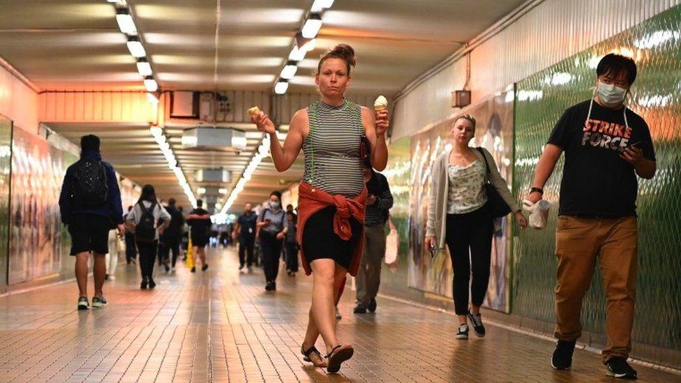 Pedestrians in Sydney, 24 March