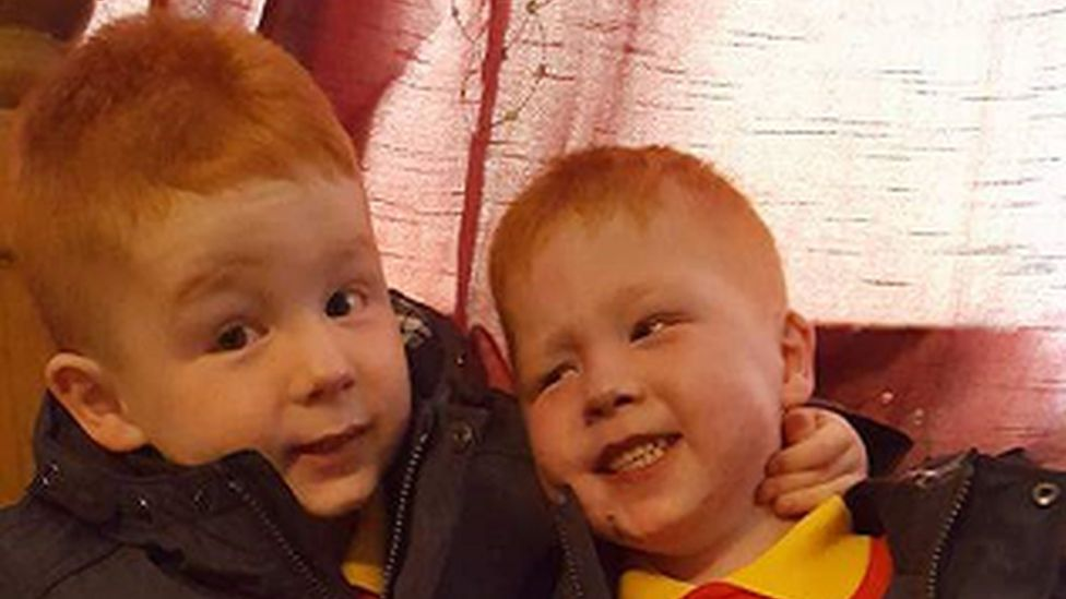 Kayden (pictured on the right) with his twin brother Jayden.