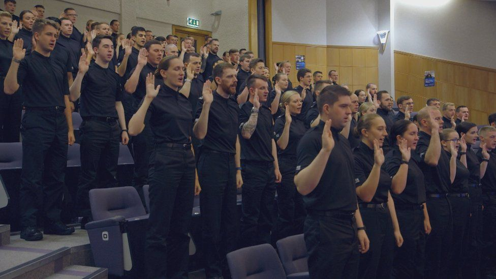 New officers take the oath