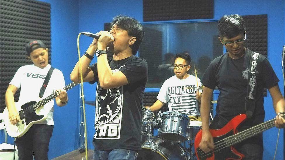 Punk band Second Combat