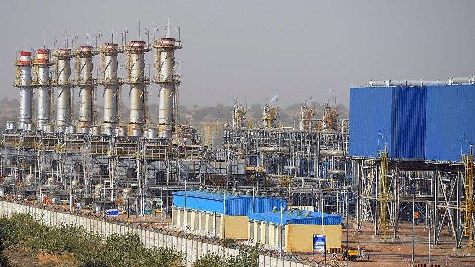 Cairn Energy has threatened to seize Indian government assets .