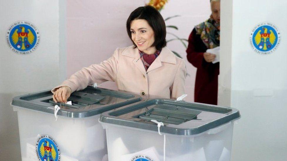Pro-Western candidate Maia Sandu votes in Chisinau, Moldova. Photo: 30 October 2016