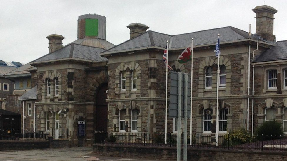 Poetry and tai chi to boost Swansea prisoners' health