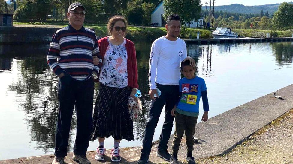 Amosa Soani and family