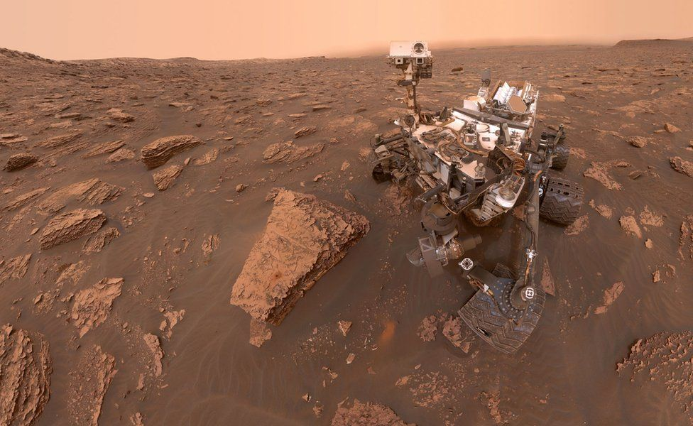 Curiosity's Dusty Selfie at Duluth