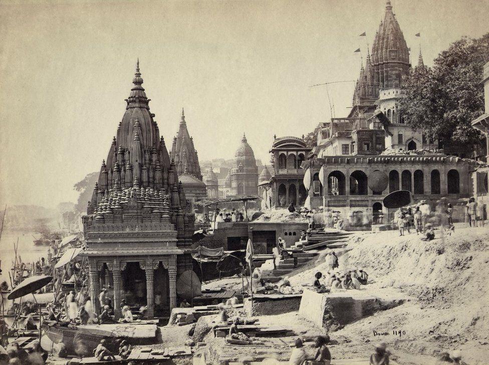 Vishnu Pud & Surrounding Temples near the Burning Ghat, Benares