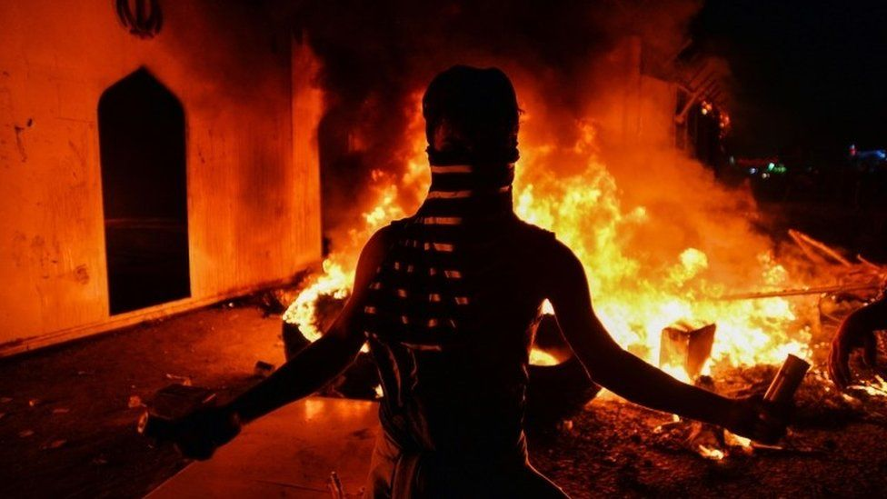 Iranian consulate burns in Najaf