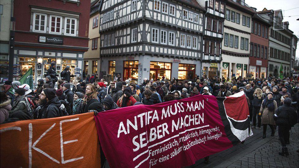 Protesters in Erfurt, 6 Feb 20