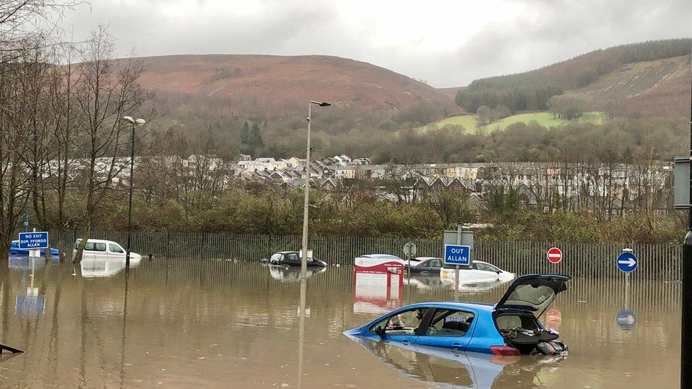 Cars are stranded in Mountain Ash