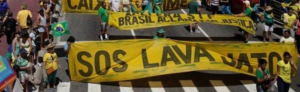 Demonstrators take part in a protest in support of Lava Jato (Car Wash) investigation in Rio de Janeiro, Brazil, March 26, 2017