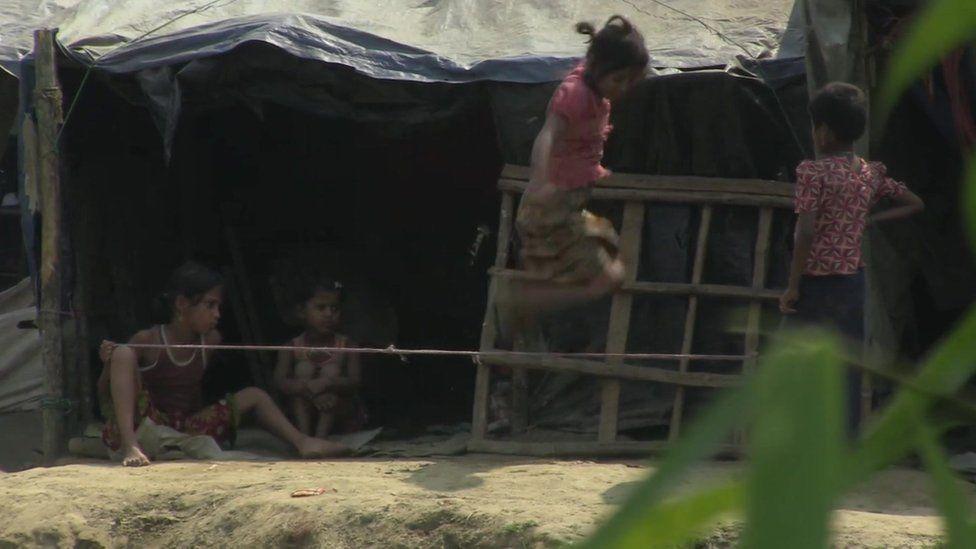 Rohingya children playing