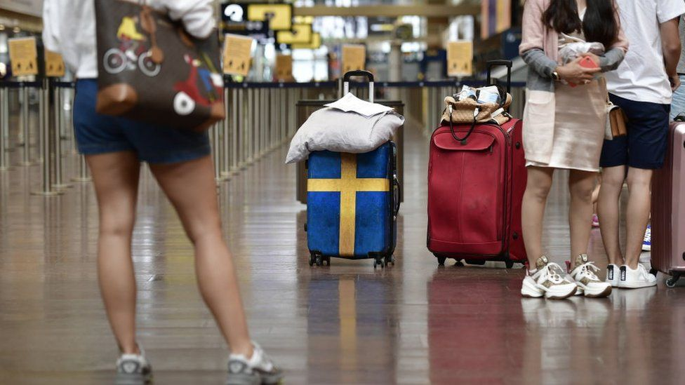 Passengers ready to check in at Arlanda airport in Stockholm