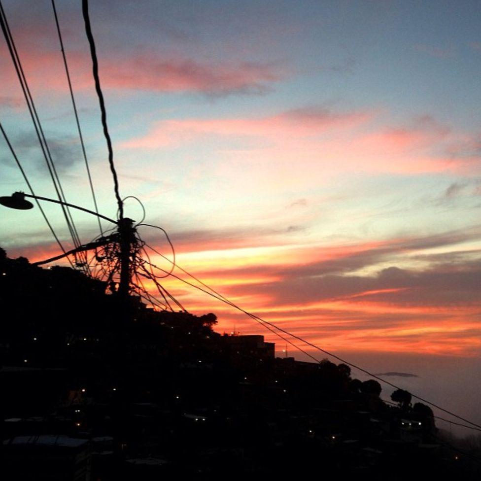 A sunset over Nino Jesus