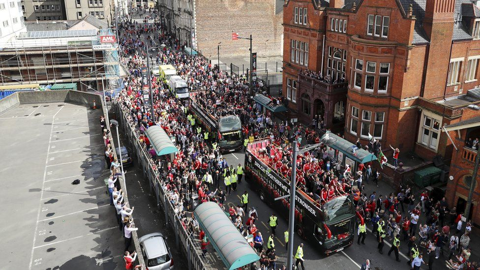 An estimated 200,000 people lined the streets of Cardiff for Wales' homecoming from Euro 2016