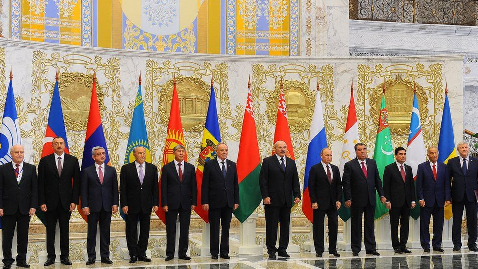 Commonwealth of Independent States (CIS) members pose on October 10, 2014 on the sidelines of the CIS leaders summit in Minsk