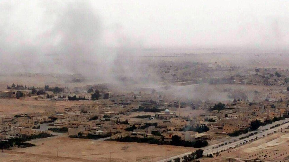 Syrian government troops advance towards Palmyra