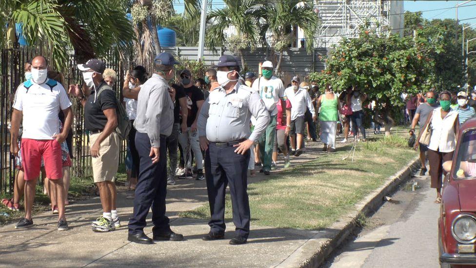 Queue outside a dollar store in Havana