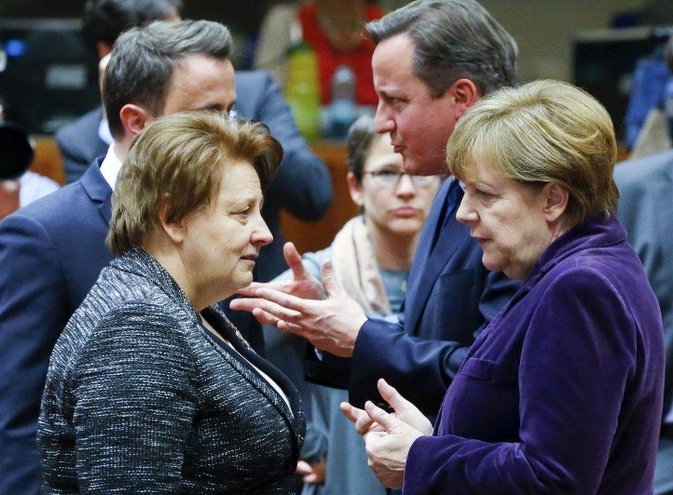 (left to right) Luxembourg Prime Minister Xavier Bettel, Latvian Prime Minister Laimdota Straujuma, British Prime Minister David Cameron and German Chancellor Angela Merkel