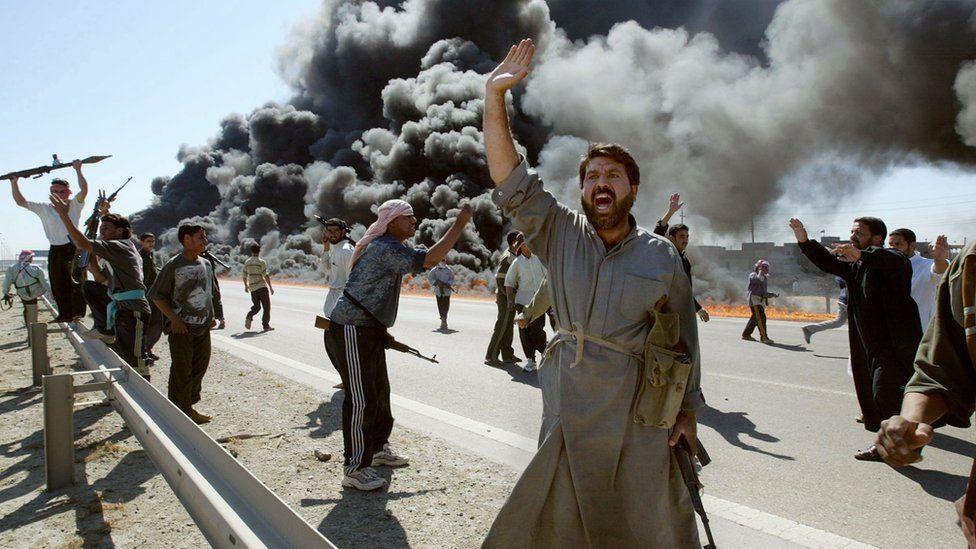 Sunni Muslim insurgents celebrate