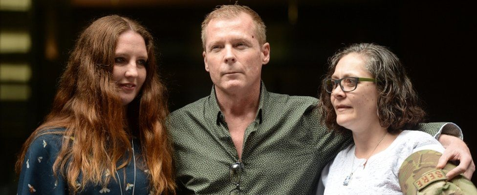 Timothy Weeks with sisters Alyssa Carter (L) and Joanne Carter (R)