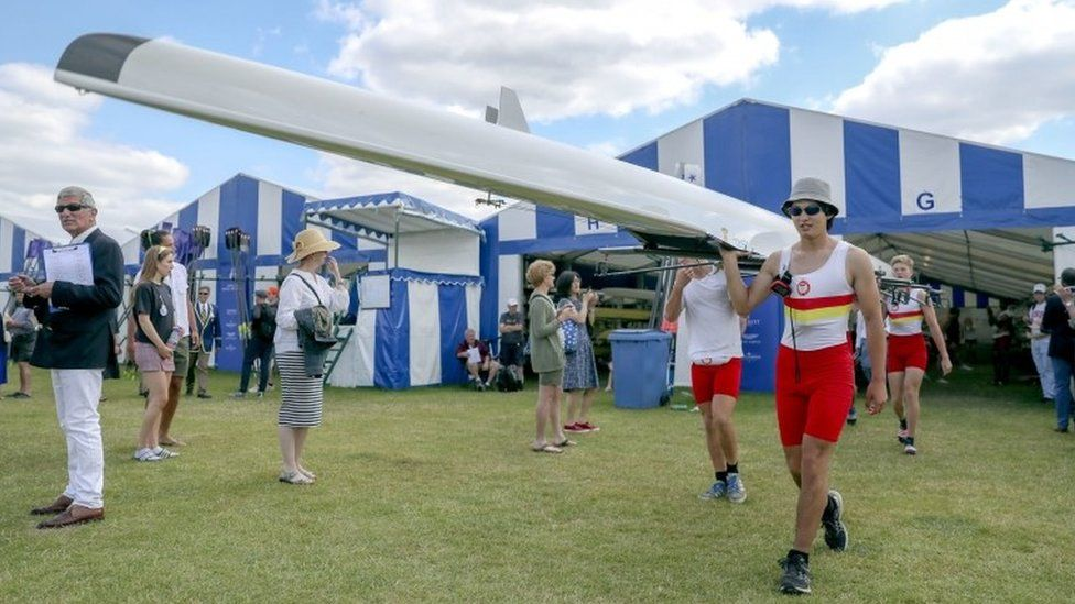 Henley Royal Regatta 2019: Boats, blazers, beer and bubbles
