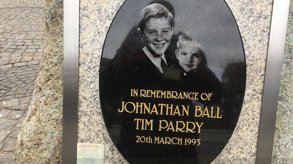 Memorial to Johnathan Ball and Tim Parry