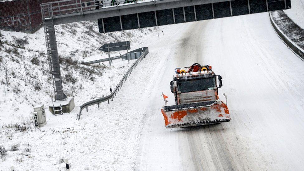 Image shows a snow plough near Dortmund