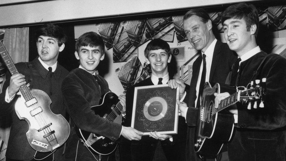 The Beatles gyda Sir George Martin