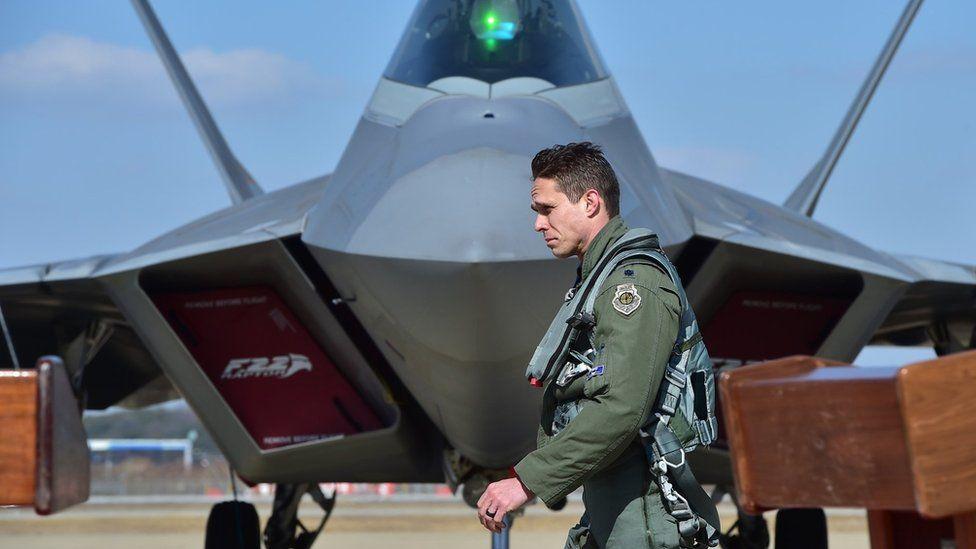 F-22 jet