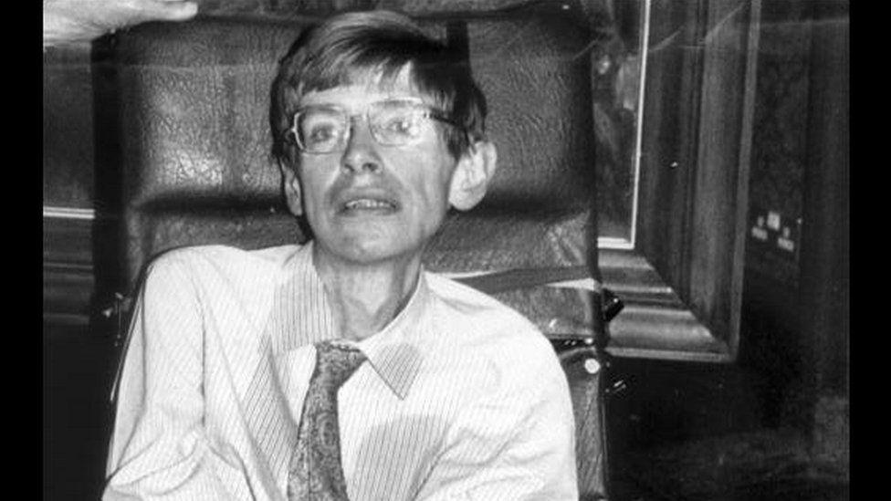1985 photo of Stephen Hawking