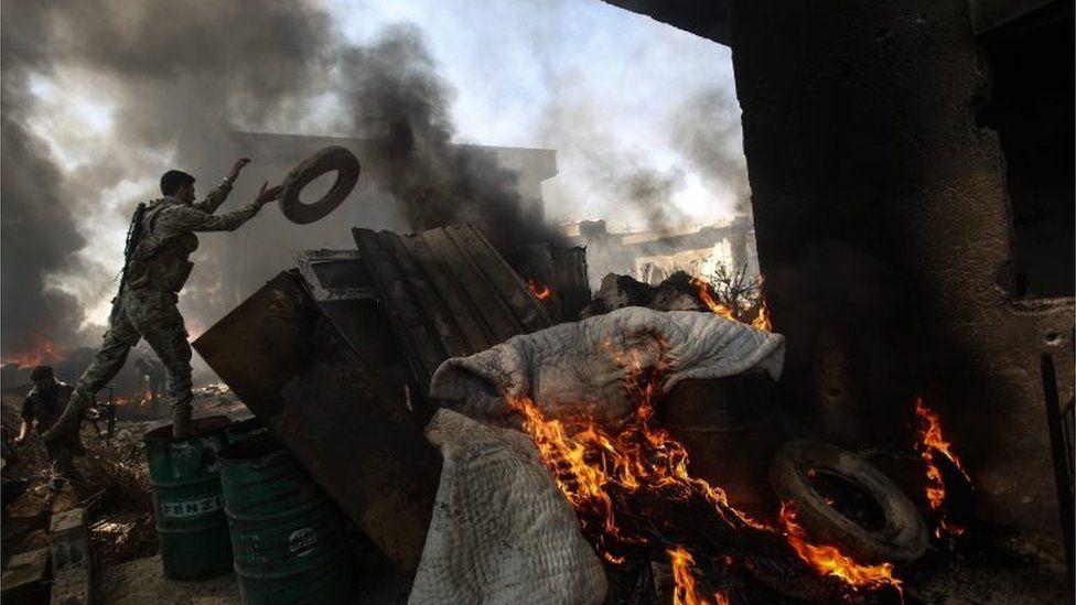 Jaysh al-Islam fighter in Douma (05/09/16)